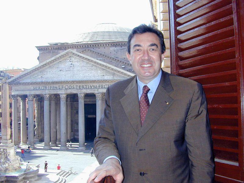 Luciano Modica è stato Presidente della CRUI dal 1998 al 2002